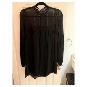 H&M Dresses - H&M long sleeve black boho dress. Size 4.